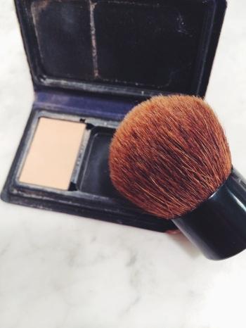 Powder + Kabuki Brush